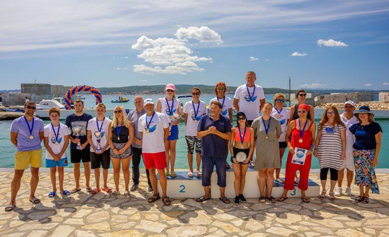 Plivački maraton: Svi plivači doplivali do cilja, a pobjednik odlučen u samo 2 sekunde