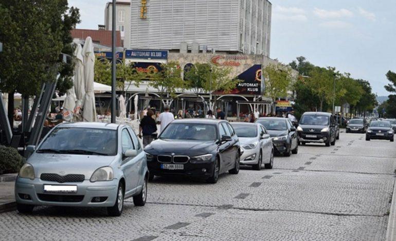 Kamere počele kažnjavati parkiranje na Radićevom trgu