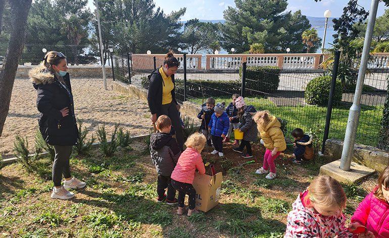 Grad Crikvenica u tjednu kolektivne sadnje