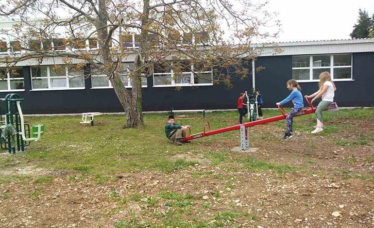 OŠ Vladimira Nazora – Novi fitness park u školskom dvorištu
